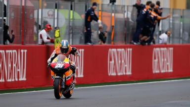 Pedrosa wins dramatic Valencian GP as Stoner says goodbye
