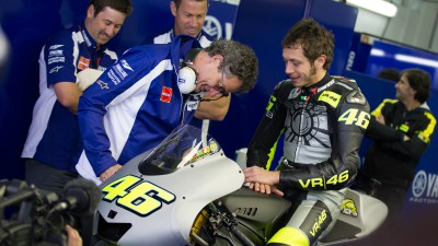 Bautista fastest as Rossi back on Yamaha at Valencia test