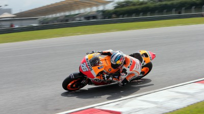 Pedrosa remains on top as first test comes to an end