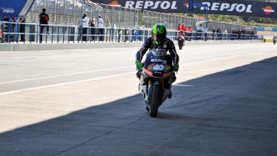 Espargaró quickest as Jerez day two gets off to slow start