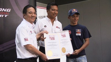 Khairuddin's name makes Malaysia Book of Records
