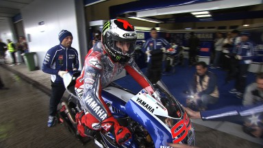 Lorenzo fastest on rain-hit first day at Jerez