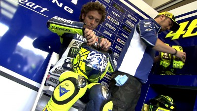 Rossi leads on penultimate day of testing
