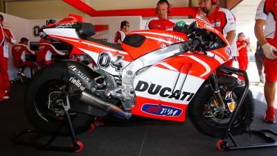 ドゥカティ・チームのドビツィオーソ&ヘイデンがラボバイクを試乗