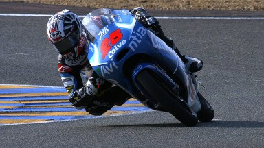 Viñales storms to pole position in France