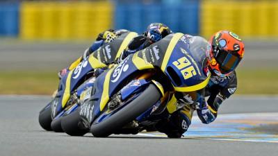 Louis Rossi marque son premier point en Moto2™