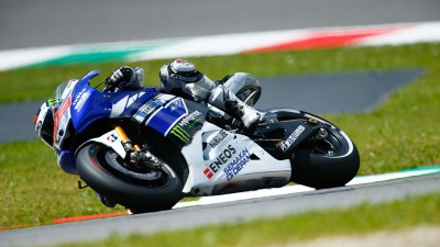Lorenzo conquista il warm up al Mugello