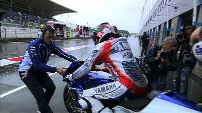 Marquez quickest as Lorenzo crashes in rain