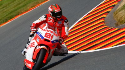 Torres quickest in incident-packed Warm-Up