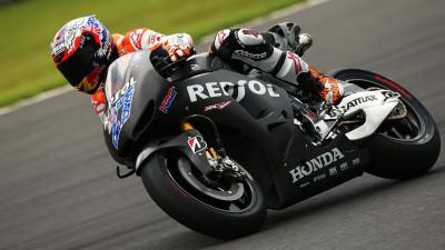 La lluvia empaña el retorno de Stoner sobre una MotoGP