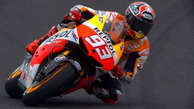 Marquez continues to lead at Indianapolis
