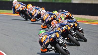 Red Bull MotoGP Rookies Cup: Hanika llega a casa como líder