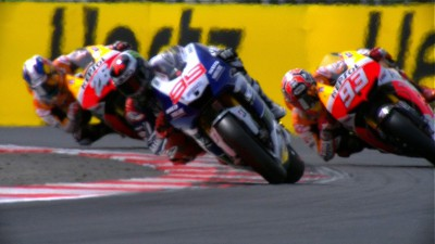 Lorenzo beats Marquez in thrilling British GP
