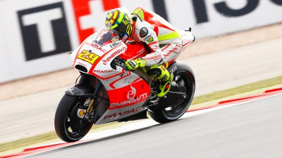 Iannone still suffering with injured shoulder