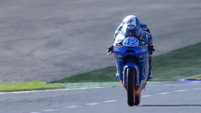 Rins grabs pole for championship decider