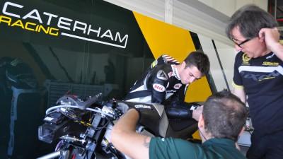 Herrin und Zarco testen Caterham-Moto2™-Bike in Almeria
