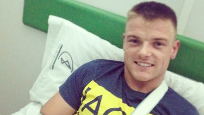 Lowes a été opéré d'une fracture de la clavicule