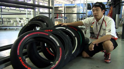 Bridgestone introduces new slick tyre marking system