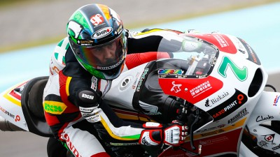 Vazquez leads lightweight class in Warm Up