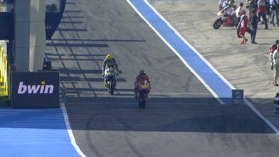 Espargaro sets rapid pace on Friday morning