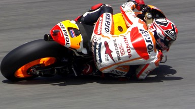 Marquez takes pole to extend perfect run