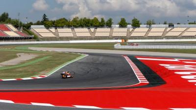 レースディレクションがコースレイアウトの変更を検証