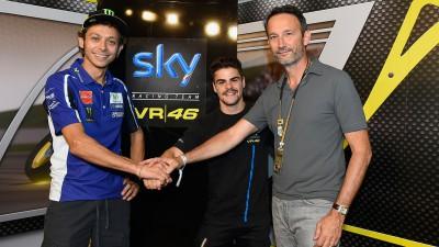 Fenati con lo Sky Racing Team VR46 anche nel 2015