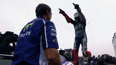 Erster Sieg des Jahres für Lorenzo in hektischem 800. Rennen