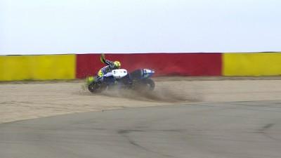 Vorsorglicher Check für Rossi nach seinem Sturz in Aragon