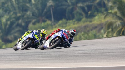 Lorenzo and Rossi to do battle for runner-up spot at season finale