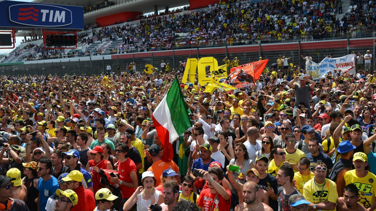 Crowds grow as MotoGP™ pulls in close to 2.5 million fans at 2014 Grands Prix