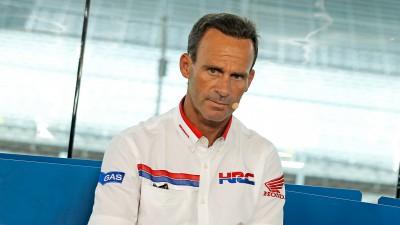 Puig wirft ein Auge über das Grand Prix Fahrerlager