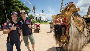 Repsol Honda präsentiert neue Farben 2015 auf Bali