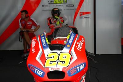 Esordio positivo per il Ducati Team a Sepang