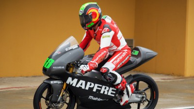 Martin on top on wet final day of Moto3™ test