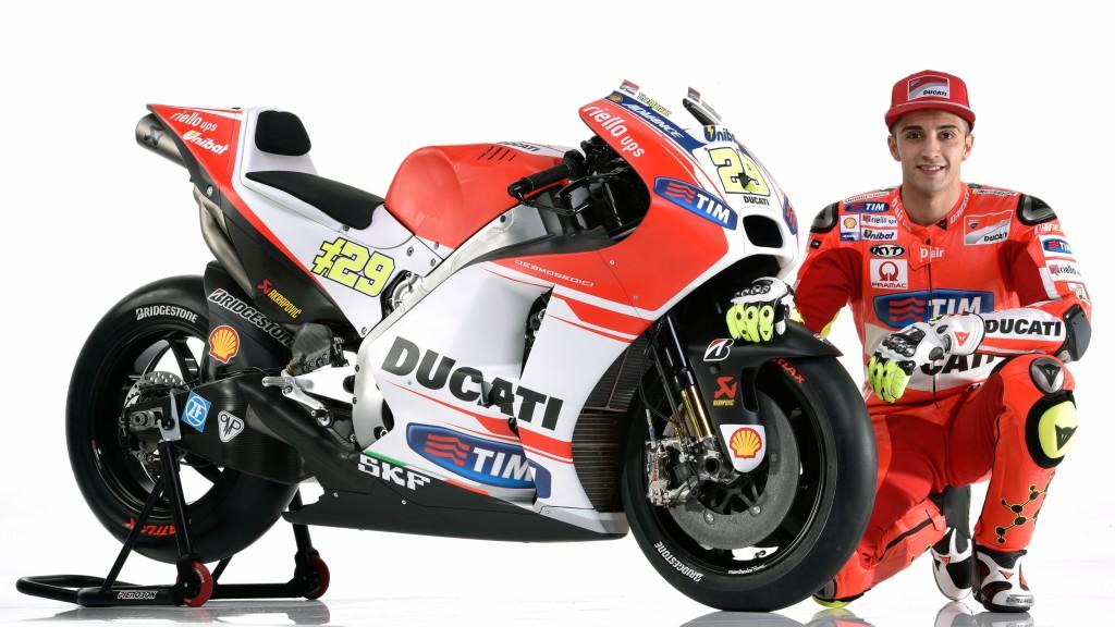Ducati Desmosedici GP15 unveiled