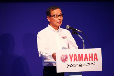 Yamaha officially announces full seamless gearbox for 2015