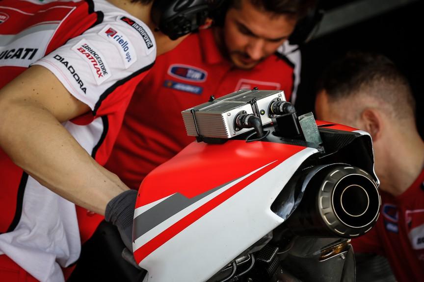 Ducati Desmosedici 2015 detail