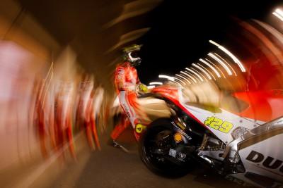 Ducati domina el primer día del test oficial en Qatar