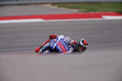 """Lorenzo: """"La Yamaha va mejorando en este circuito"""""""