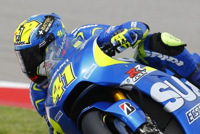 Espargaro tops MotoGP™ FP1, Marquez & Rossi far off the pace