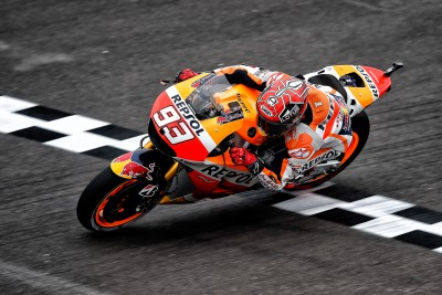 Marquez blitzes rivals on way to pole