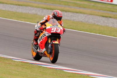 Marquez back on top during vital FP3