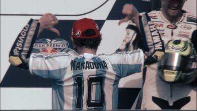 Rossi rende omaggio a Maradona