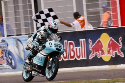 Kent fährt mit dem Moto3™ Sieg beim #ArgentinaGP davon
