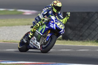 "Rossi: ""Marquez is a rider who is all or nothing"""