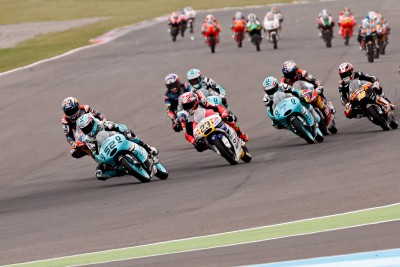 Moto3™ field looking to catch Kent in Jerez