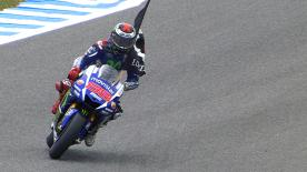 Movistar Yamaha's Jorge Lorenzo dominates the race in Jerez to take victory by over 5 seconds as Rossi claims his 200th podium.
