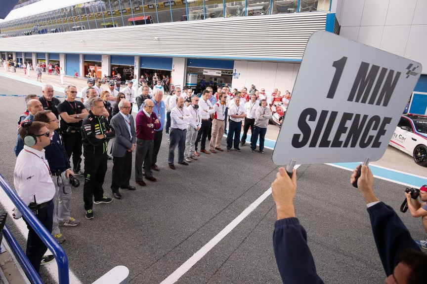 Minute of silence in memory of the victims of Nepal's tragedy and to mark the passing of MotoGP™ Legend Geoff Duke OBE