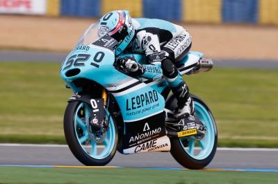 Kent beherrscht Tag eins in der Moto3™